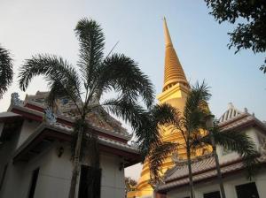 Goldener Chedi im Wat Bovonnivet